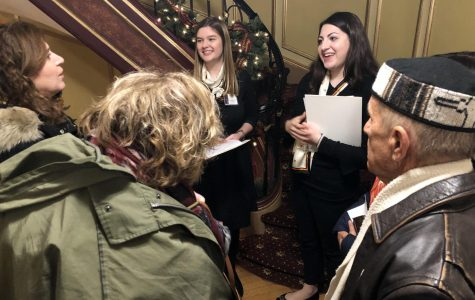 Hobart Manor Opens Holiday Showcase