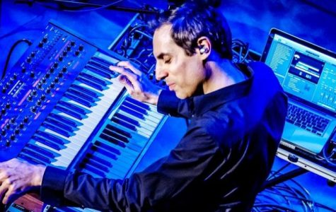 Alumni Spotlight: Keyboardist Tom Brislin Touring with Kansas